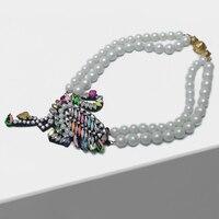 Amorita boutique Colorful crane pendant design pearl necklace