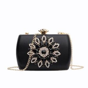 Image 2 - Nyhed bolsa de noite feminina casamento embraiagens diamante bolsa para senhora cadeias pequena bolsa