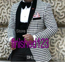 2017 Hot Selling Mens Groom Wear Blazer Dinner Party Prom Suits Groom Tuxedos Men Wedding Suits (Jacket+Pants+Vest+Bow)
