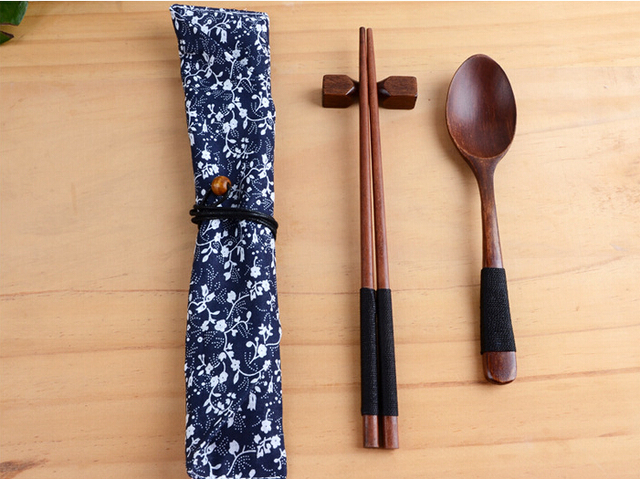 New Arrivals Korean Anese Chinese Style Wood Chopsticks Spoon Bag Creative Travel Portable Household Dinnerware Sets