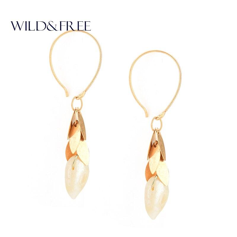 Women New FreshWater Pearl Drop Earrings Vintage Gold Leaf Tassel Round Hook Fashion Dangle Earrings Jewelry for Women