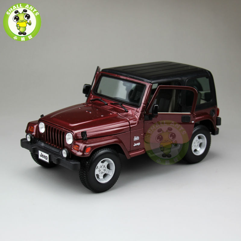 1:18 Scale Jeep Wrangler Sahara Diecast Car Suv Model Maisto 31662 Red&Black maisto jeep wrangler rubicon fire engine 1 18 scale alloy model metal diecast car toys high quality collection kids toys gift