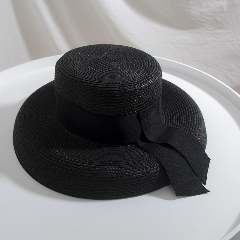 b77aafc00173c5 Classical church hats are an effective accessory to make you look great on summer  beach, while the brim of vintage hats can well protect you from the strong  ...