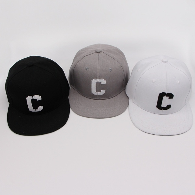 Ricamo C Snapbacks Cappelli Lettera Cappellini da Baseball Nero Bianco Hip  Hop Bordo Dritto di Colore 766174336e60