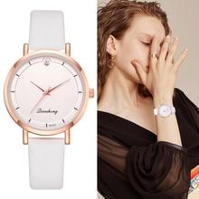 838e2c06247 Moda Paris WomenRose Ouro Relógio De Quartzo Relógio Minimalista Doce Cor  Cinta Diamante Relógio de Pulso