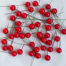 100 pçs mini bagas de plástico frutas falsas pequena pérola artificial flor estames cereja casamento diy presente caixa decorada grinaldas de natal
