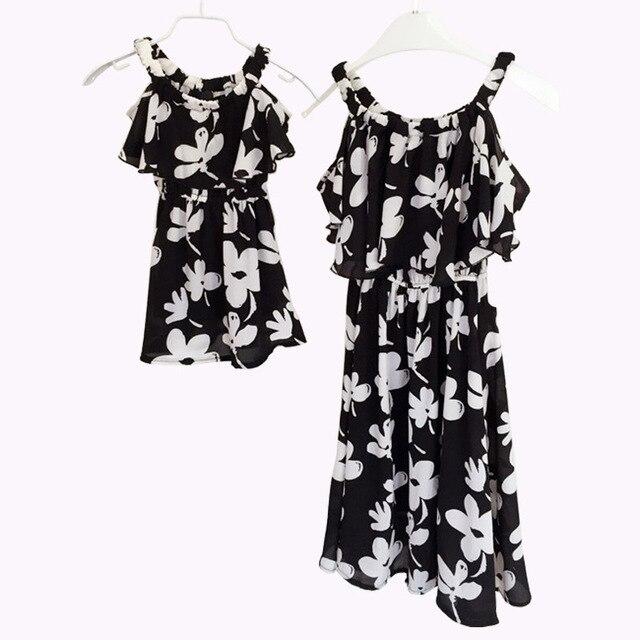 2016 Мода семья одежда летом sleeeless девушки сарафаны новый цветочный шифон черные платья для мамы и дочери