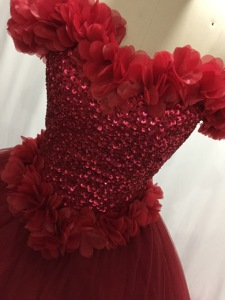 Image 5 - ILUSY Gorgeous 3D flora Red Wedding Dresses Sleeveless Ball Gown Beads Sweetheart Bridal Gowns Vestidos de noiva