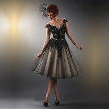 Dazzling V-Ausschnitt Spitze Applique Schwarz Tüll Cocktailkleider 2016 Günstige knielangen Partei-Kleid robe De Cocktail