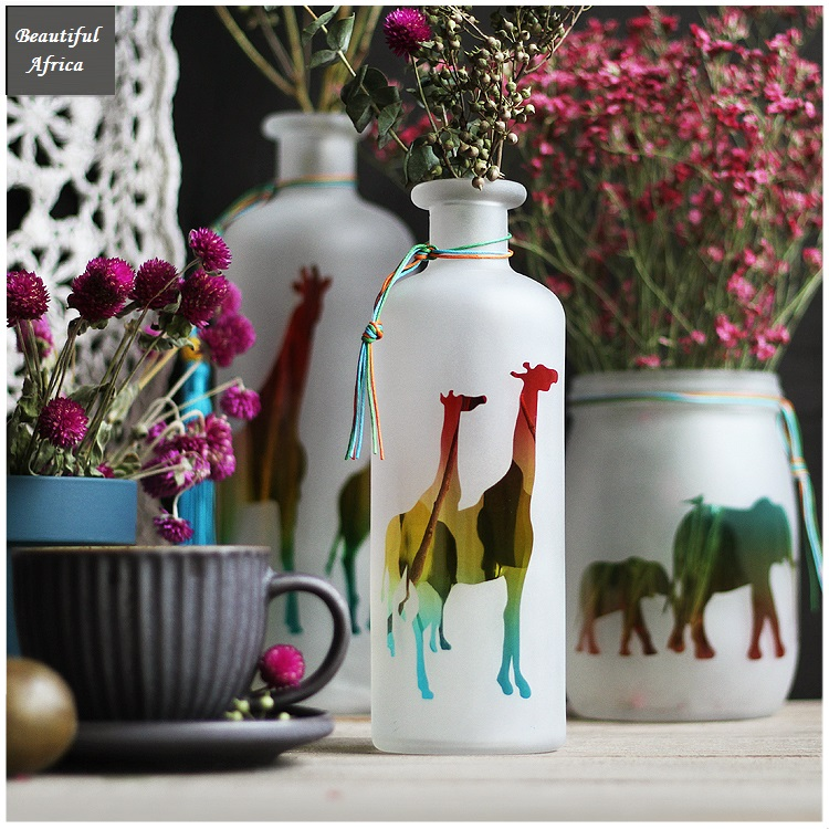 Beautiful Africa Handmade Frosted Glass Vase Animal White Gradient