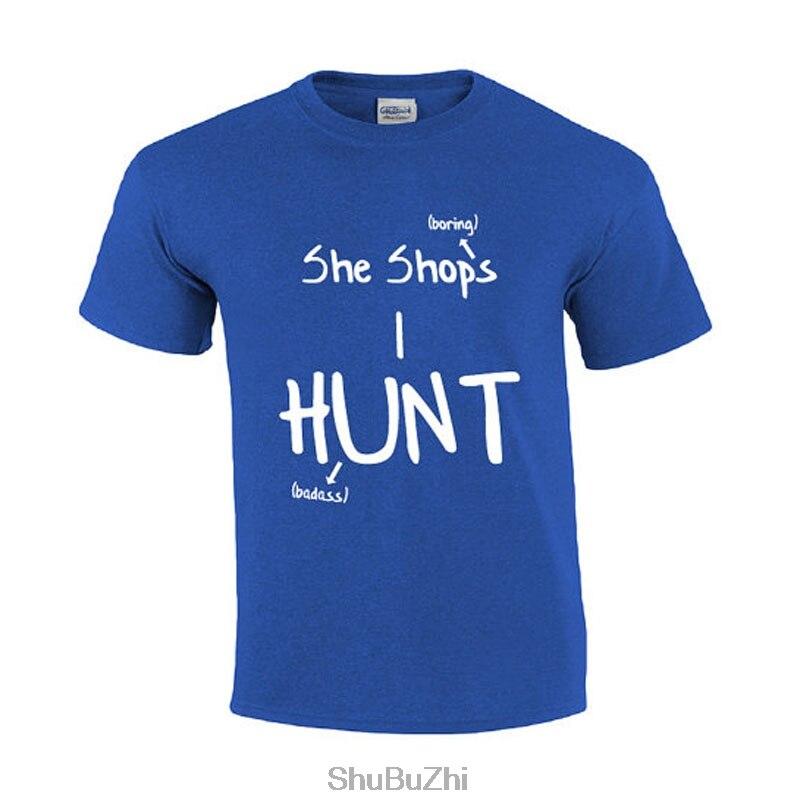 Она магазинов я охочусь  Охота Футболка  забавный мужской футболка  Для мужчин охотников футболки  Для мужчин s graphic Tee  рубашка для охотник...