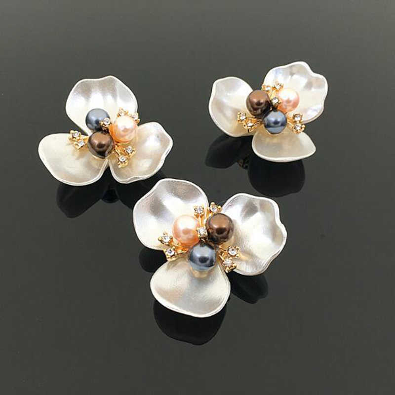 5pcs Flower pearls rhinestones buttons metal wedding Invitations decorate button trinket hair flower center scrapbooking