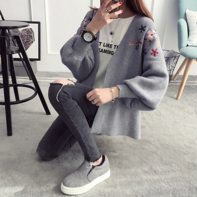 2018 Autumn Winter Loose Tops Clothes Cardigan Female Sweet Flower Embroidered Knitted Long Lantern Sleeves Cardigan Sweater
