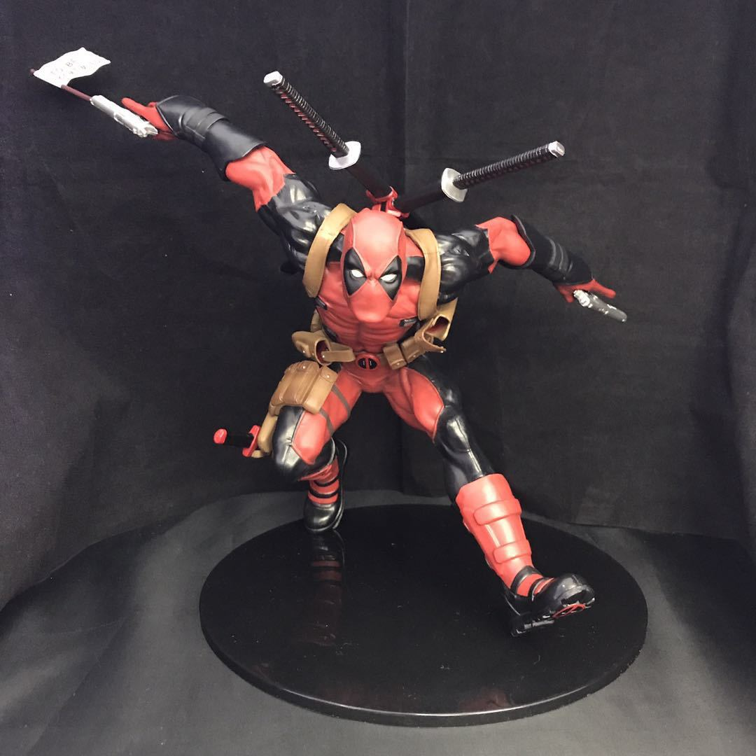 WVW 23CM Hot Sale Comic Hero Deadpool Wolverine X-MEN Play Arts Model PVC Toy Action Figure Decoration For Collection Gift oreimo comic anthology