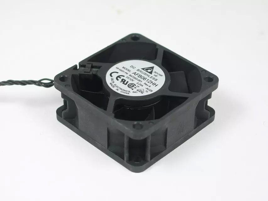 купить  Free Shipping For DELTA AFB0612HH, -AU28 DC 12V 0.20A 4-wire 4-pin connector 100mm 60x60x25mm Server Square Cooling fan  онлайн