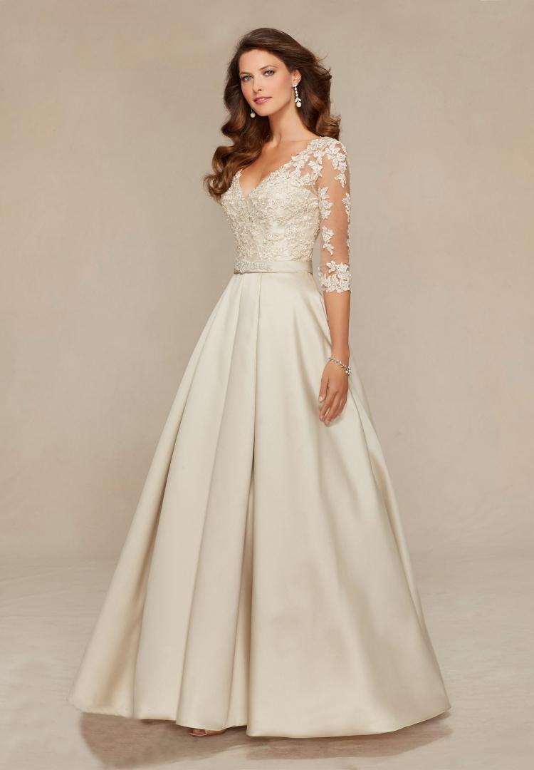 V-Neck Three Quarter Elegant A-Line Purple Long Mother of the Bride Dress 3