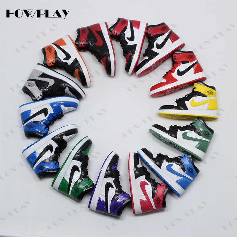 HowPlay AJ1 Model Keychain Backpack Pendant Creative Gift Collection Crafts  Doll accessories for Air Jordan Basketball 02b6b4a111a73