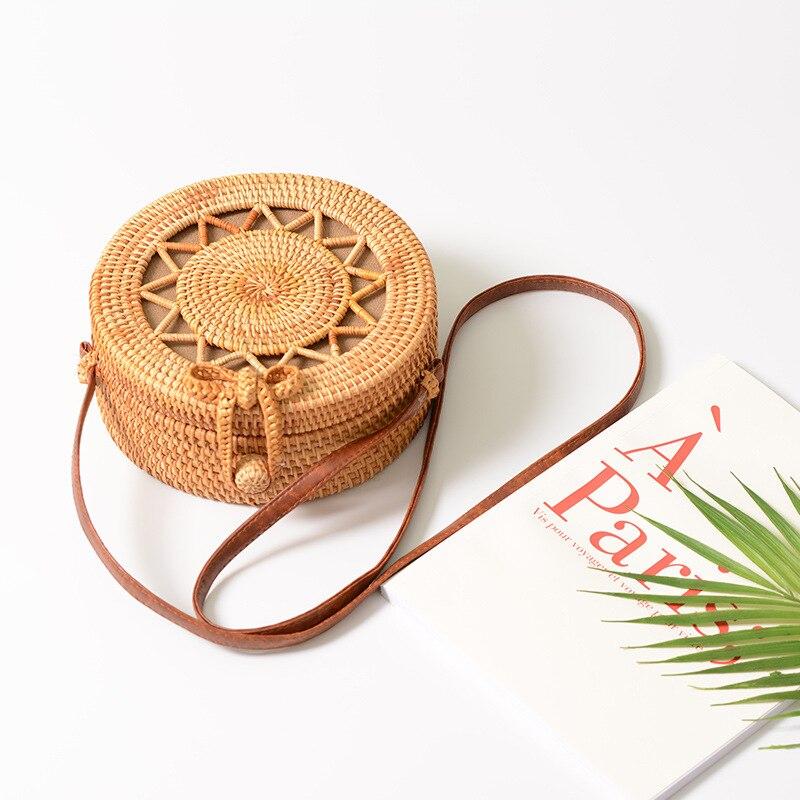 Verano de Bali mano tejida mujeres Rattan ronda bolsa hombro Crossbody bolsos paja playa bohemio tejer viaje bolsos circulares