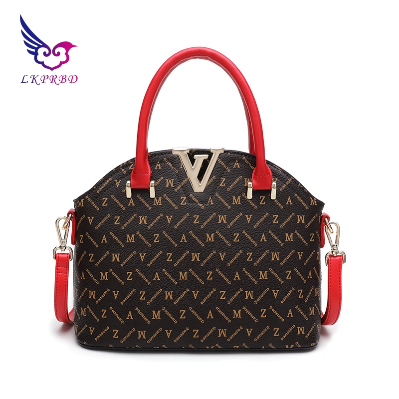 2018 spring new V leather handbags Europe and the United States fashion wild shell bag brand leather shoulder Messenger bag 2018 new europe and the united states stitching shoulder messenger bag spring and summer fashion personalized pu rivet handbags