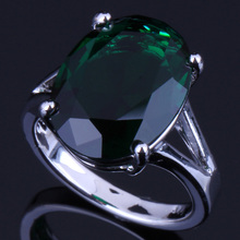 Superior Pigeon Egg Green Cubic Zirconia 925 Sterling Silver Ring For Women V0075