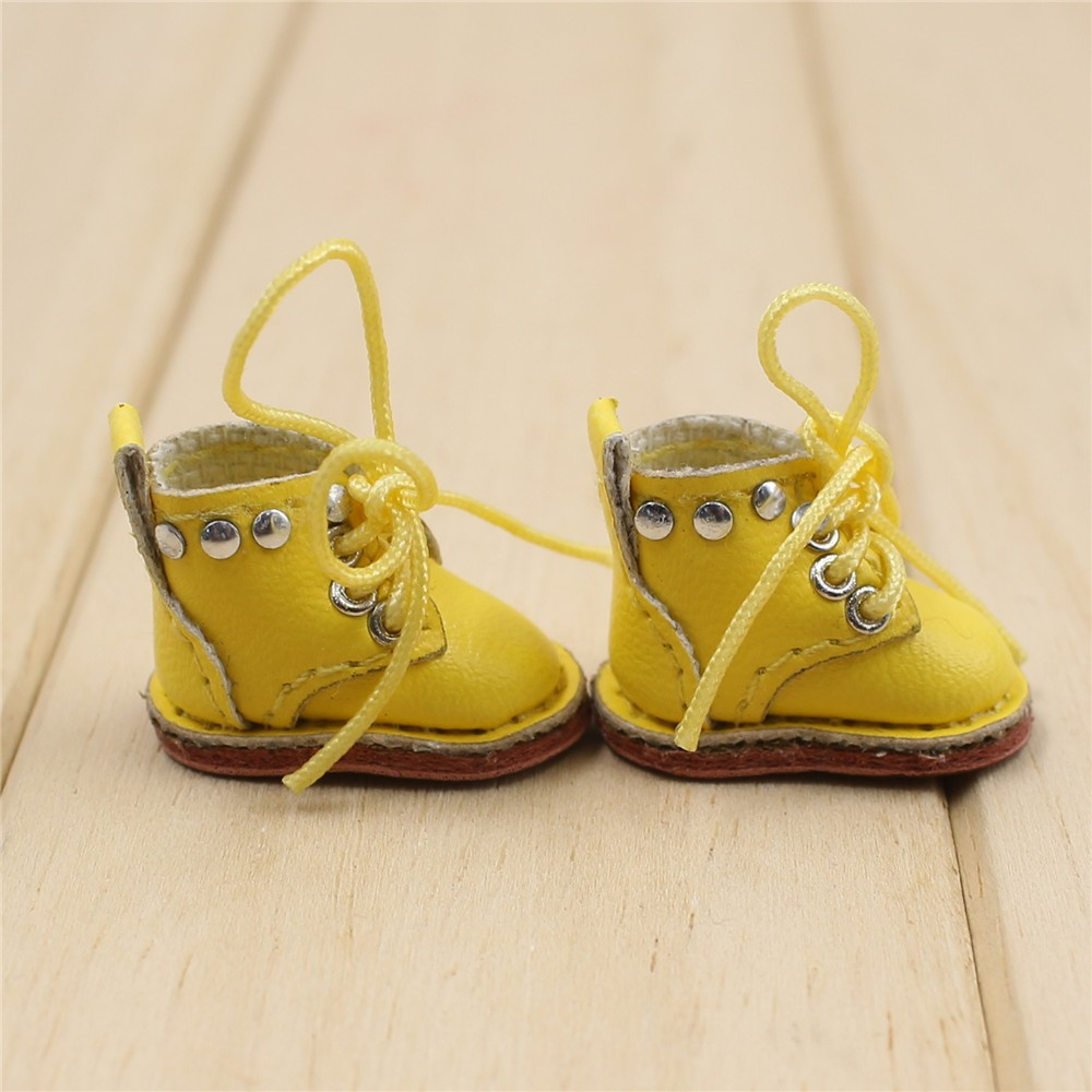 Middie Blythe Doll Shoes 1