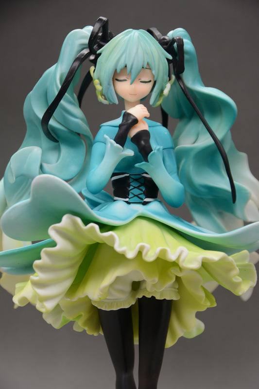 Wholesale 12pcs newest arrival Anime character Hatsune Miku Snow In Summer action pvc figure toy tall 28cm in box via EMS.  volume order 5set japan anime racing hatsune miku with motor action pvc figure toy tall 13cm in box via ems shipping