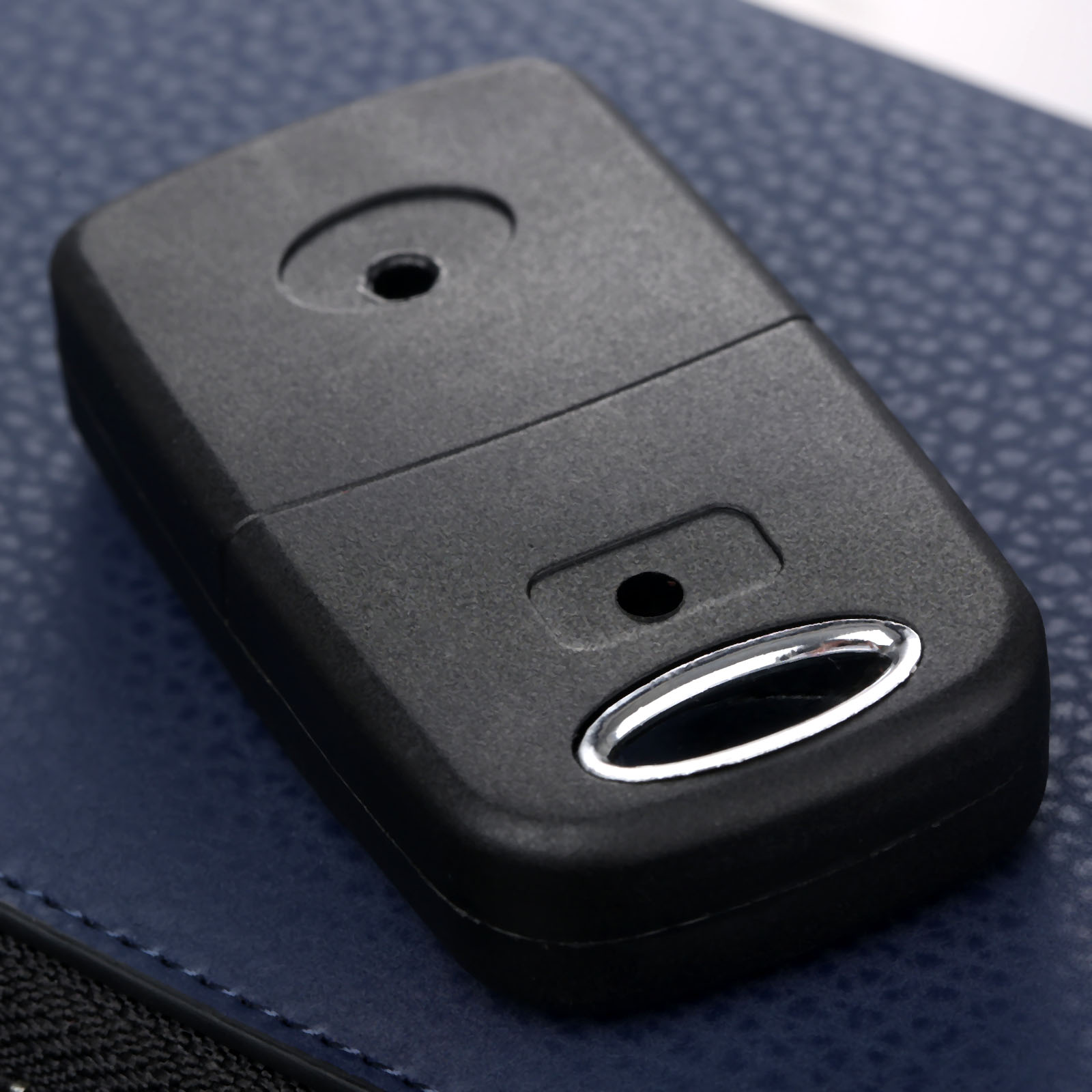 Image 2 - Car Remote Folding Flip Key Shell Case 3 Button Replacement Car Key Fob Covers For Lexus IS200 GS300 LS400 RX300 Uncut Blade-in Car Key from Automobiles & Motorcycles