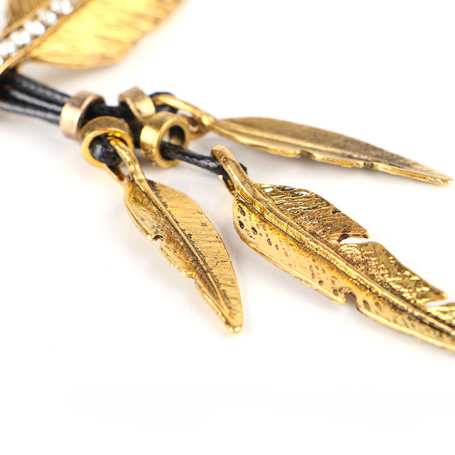 Golden featured alloy Necklace