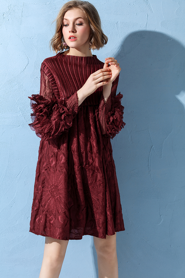 FREE SHIPPING Miyake fashion fold doodle printed wristsleeve slashNECK A-line dress IN STOCK