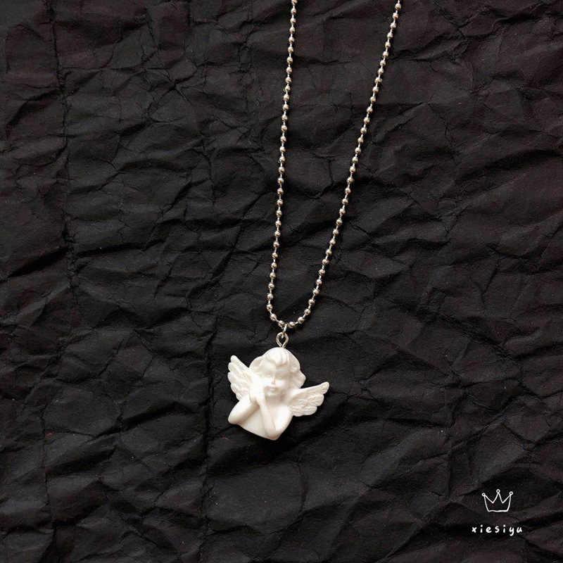かわいいキューピッド天使のペンダントステンレス鋼のネックレス、長鎖ベビー形のジュエリーの恋人の友情ガールギフト