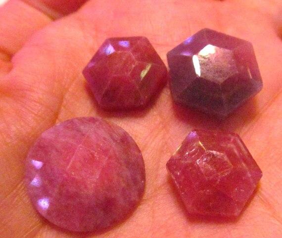 купить Natural Ruby gemstone Assorted Cabochon Round Hexagon Oval Freeform Teardrop GEM 10-20mm 2pcs по цене 2026.33 рублей