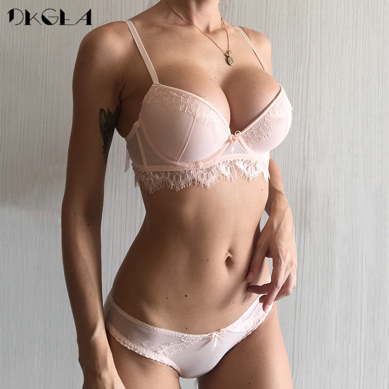 2019 New Top Push-up Bra Panties Sets Lace Lingerie 3/4 Cup Brassiere Green Deep V Sexy Underwear Set Women Bras Cotton Black