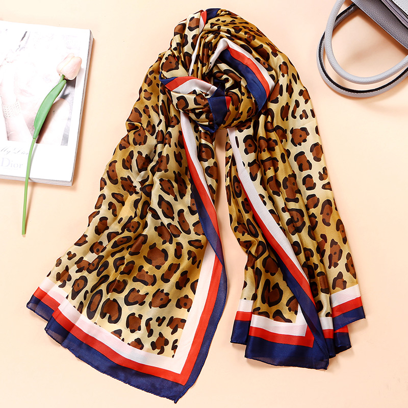 2017 luxury brand women scarf leopard summer silk scarves shawls lady wraps soft pashimina female Designer beach stole bandana