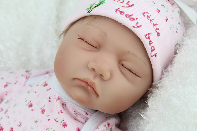 Fashion Reborn Baby Doll Lifelike Soft Silicone Sleeping Reborn Babies Alive Adorable Toy for Children Christmas GiftsFashion Reborn Baby Doll Lifelike Soft Silicone Sleeping Reborn Babies Alive Adorable Toy for Children Christmas Gifts