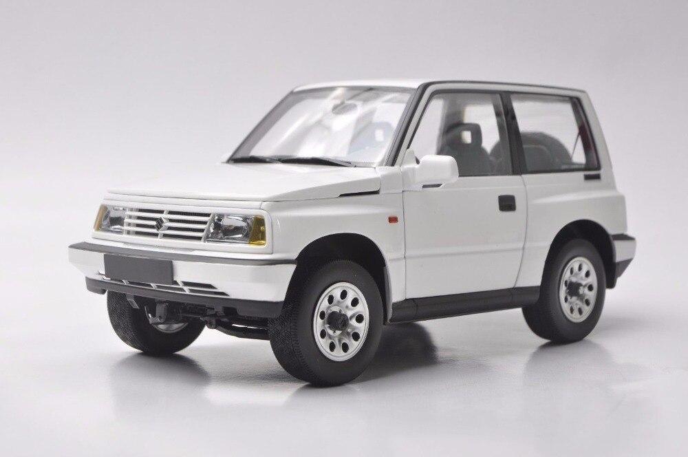 1:18 Diecast Model for Suzuki Vitara Escudo 1989 White Alloy Toy Car Miniature Collection Gifts Gran