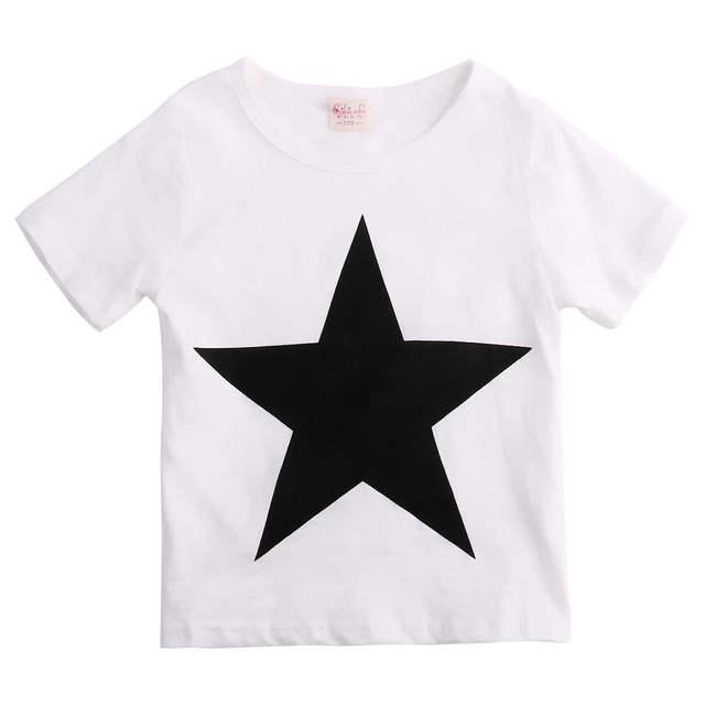 Conjunto camiseta de estrella y pantalón