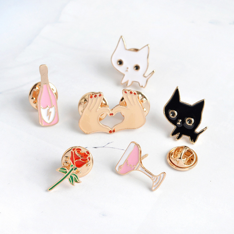 1 Pcs Cartoon Cute White Cat Metal Brooch Button Pins Denim Jacket Pin Jewelry Decoration Badge For Clothes Lapel Pins Badges