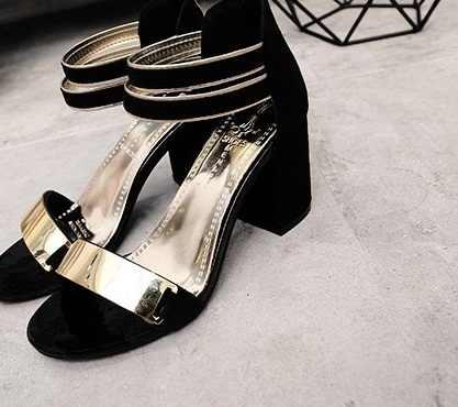 2017New Sıcak Seksi Parti Moda Zip kadın Sandalet Bayanlar Rahat Yüksek Topuklar yarım çizmeler Kadın moda ayakkabılar Kız Sandals35-39
