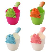 1PC Frog-shaped Baby Shampoo Cup Children Shower Spoon Bath Head Water Scoop Gif