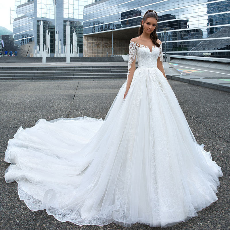 Eightree Luxury Appliques Wedding Dress 2019 Vestido De Noiva Long Sleeve Lace Up Ball Gown Illusion O Neck Bride Gown