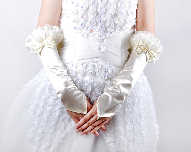 Hot sale branco elegante frete grátis vestidos new elegante elbow comprimento luvas sem dedos do marfim cetim bordado do vestido de casamento vestidos