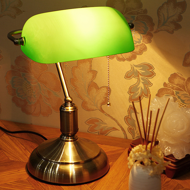 Personality retro table lamps shell small bedside lamp for Small table lamps for bedroom