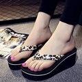 2017 Nuevos Zapatos de Verano de Calidad Superior del Verano de Las Señoras Del Leopardo Durable Flip Flop Playa Zapatos de Las Cuñas de la Plataforma Gruesas Sandalias de Tacón Alto