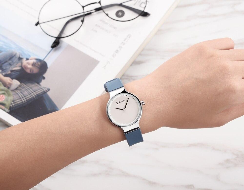Fashion Sport Silicone Ultra Thin Quartz Watch for Women