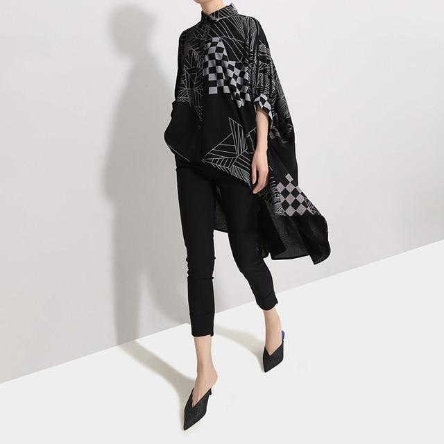2019 Korean Women Summer Casual Black Tops Hipster Blouse Shirt Plus Size Batwings Sleeve Lines Print Feminine Shirt Blusas 4939 2