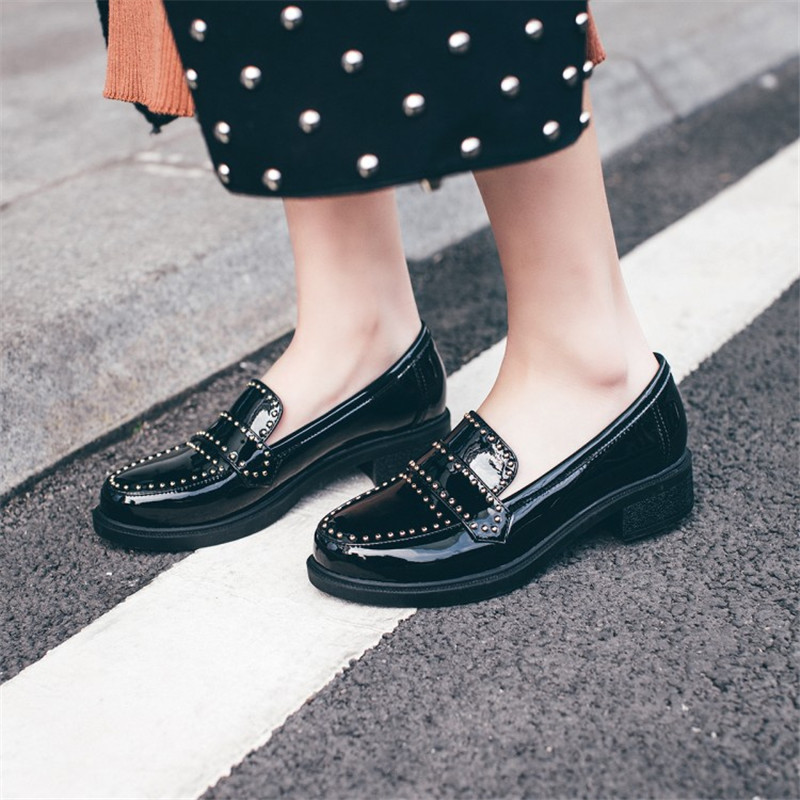 2017 New Women Shoes Genuine Leather Slip On Round Toe Preppy Style Shoes for Rivet Casual Patent Leather Shoes Plus Size 34-43 2017 shoes women med heels tassel slip on women pumps solid round toe high quality loafers preppy style lady casual shoes 17