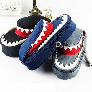 Image 3 - Süper büyük kapasiteli yaratıcı köpekbalığı tuval okul kalem kutusu kalem çantası kalem çantası kod kilidi ile