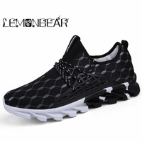 Men shoes 2018 New Arrivals hot striped Breathable Ultra light lace up shoes men sneakers spring comfortable men vulcanize Shoes
