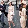 2014 Kate Middleton Lace Simples Na Altura Do Joelho-Comprimento Vestidos de Celebridades com Caixilhos Mangas Compridas Barco Pescoço Bainha Vestidos de Festa