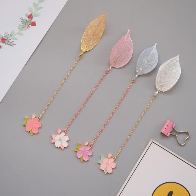 1 Pcs Kawaii Leave Pendant Cherry Sakura Metal Bookmarks Stationery School Office Supply Escolar Papelaria Book Marker Holders